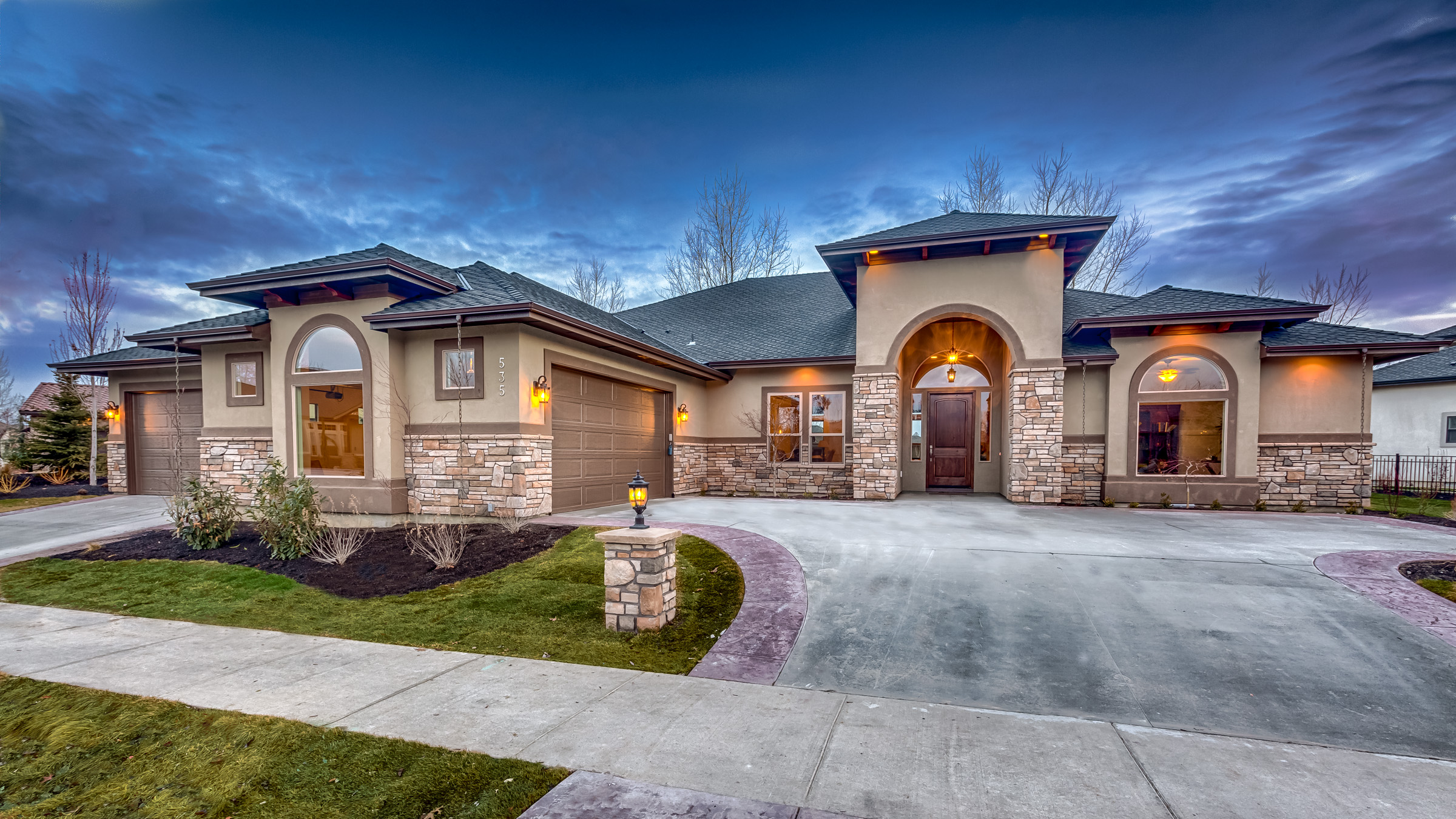 Tour custom homes by hammett homes for Custom design house