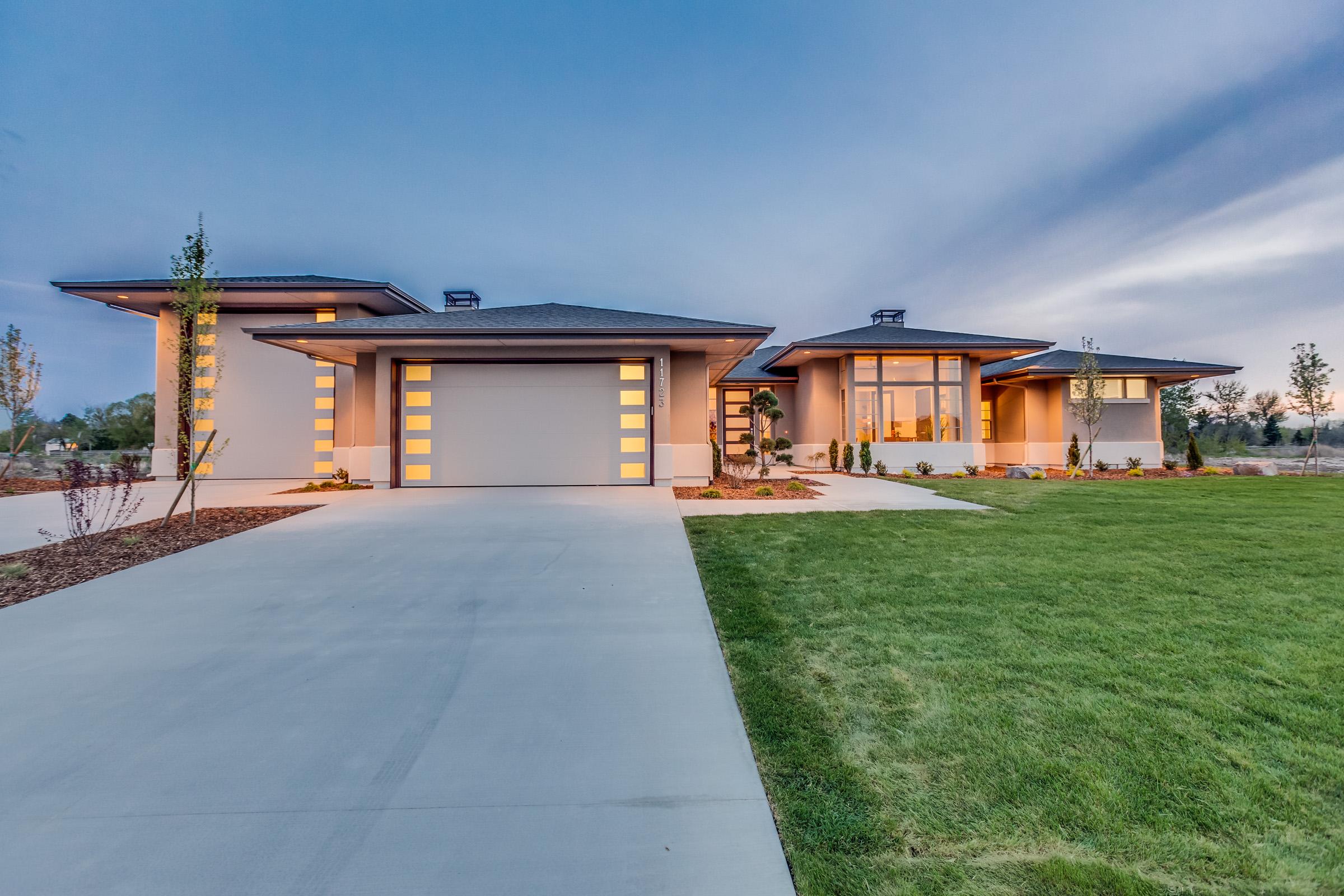 Homes coming soon eagle id hammet homes for Custom home garage