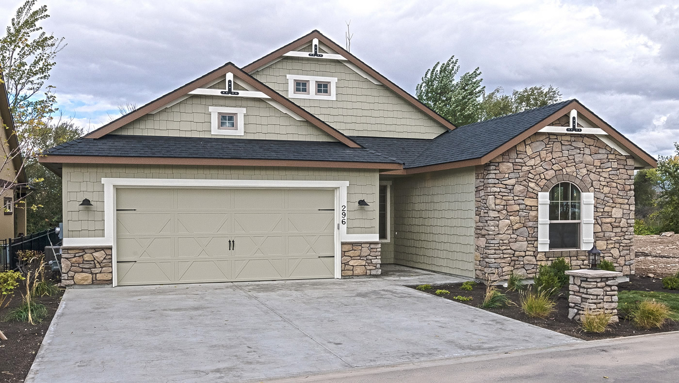 River birch with 3 car garage by hammett homes for 3 car garage homes